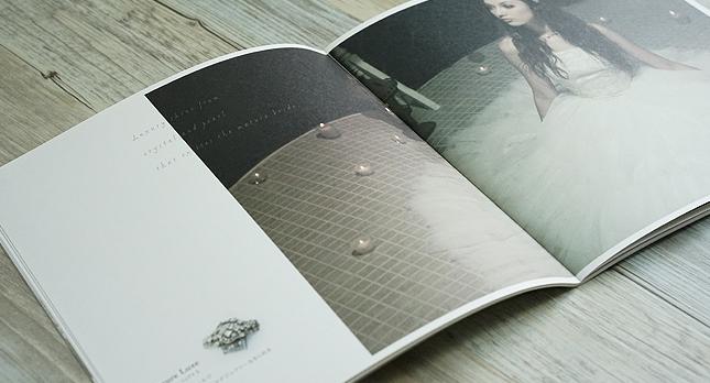 ヘアメイク・ヘアアクセサリー・パンフレット・ブランドブックデザイン実物写真